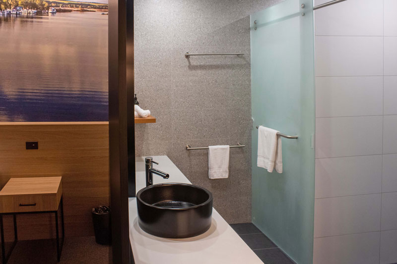 Bridgeport_AccommodationBathroom_HB_1