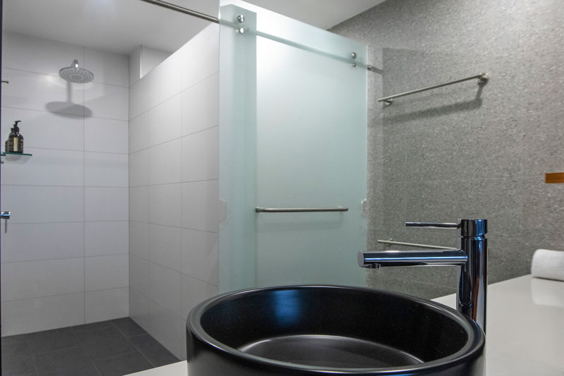 Bridgeport_Room_Bathroom_3_web