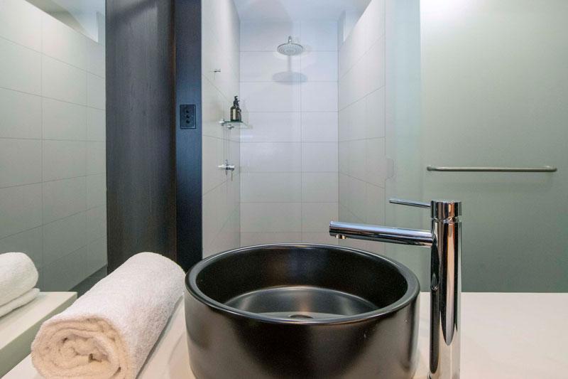 Bridgeport_Room_Bathroom_6_web