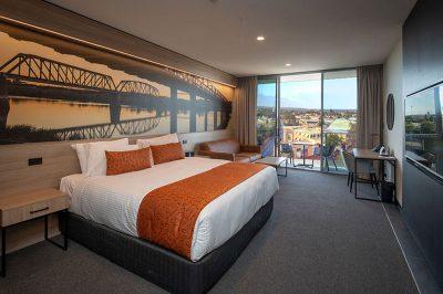 Bridgeport_Room_CityView_Balcony_NewViewFlip
