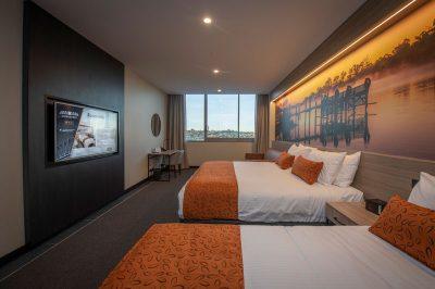 Bridgeport_Room_Riverview_web