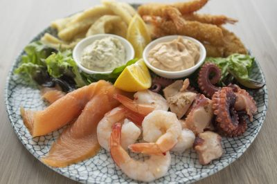 Rivergum-Restaurant-800x533_seafoodbasket